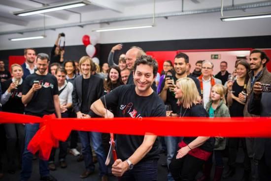 Shutterstock Gründer und CEO Jon Oringer eröffnet das Berliner Büro