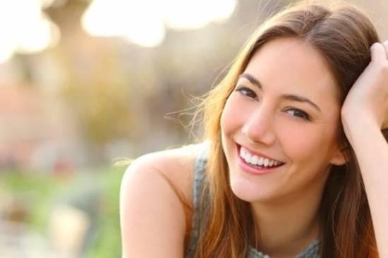 Die 60 meist heruntergeladenen Bilder 2018 von Top Bildagenturen im Vergleich! - fotoskaufen depositphotos smilinggirl