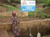 Shutterstock und charity water versorgen 12 afrikanische Dörfer mit sauberem Wasser